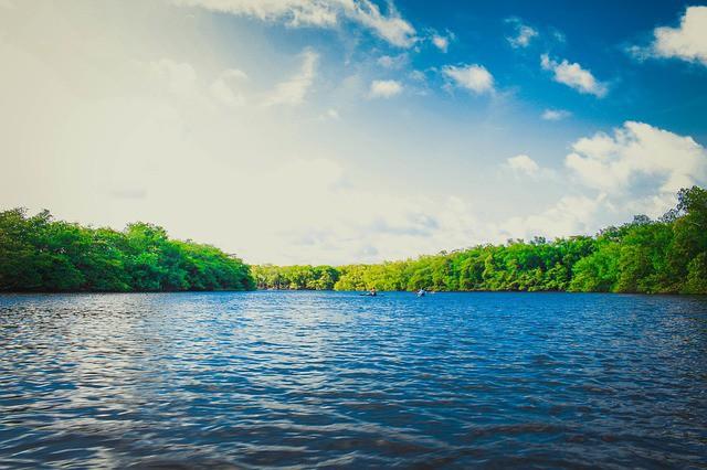 lake-690731_640