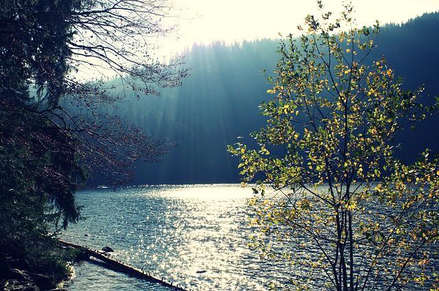 lake-820816_640