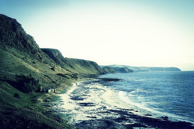 shore-828590_640